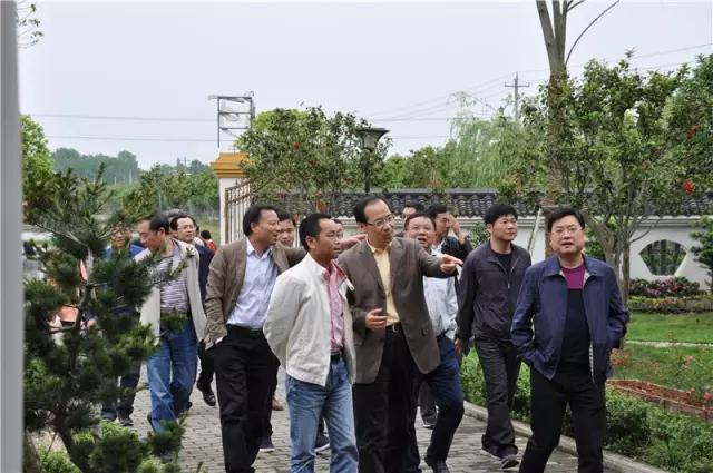 市人大常委会副主任宋云文一行莅临我司柳叶湖生态养殖产业园考察调研